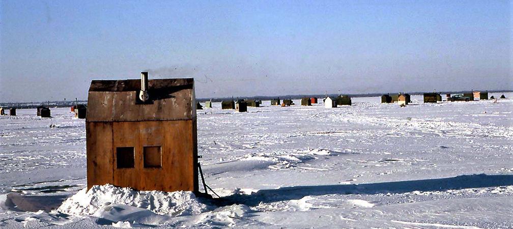 Ice fishing huts on Lake Simcoe